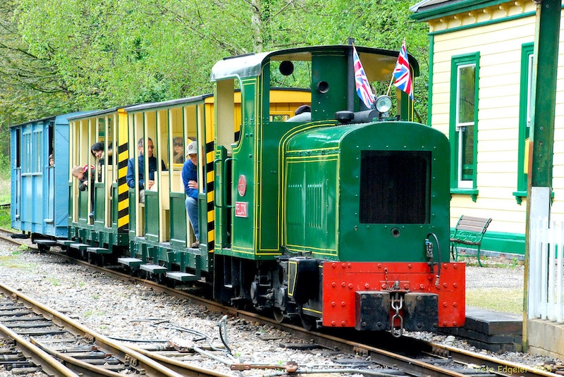 Peldon Passenger Train at Amberley Museum